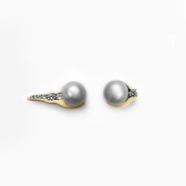 Tonali Pearl Cuff Earrings | Paola van der Hulst