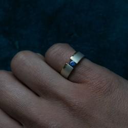 small pinky vacuum ring | Paola van der Hulst