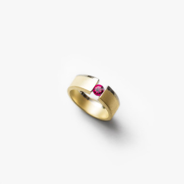 Ruby Small Pinky Vacuum Ring | Paola van der Hulst