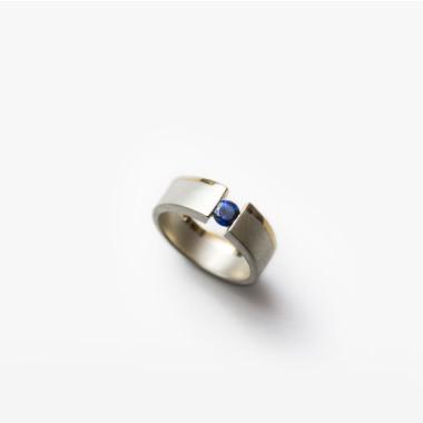 Sapphire Small Pinky Vacuum Ring | Paola van der Hulst