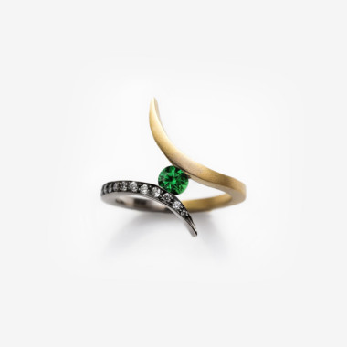 Tsavorite Tonali Ring | Paola van der Hulst