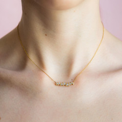 Floating-Diamond-Necklace-by-Paola-van-der-Hulst