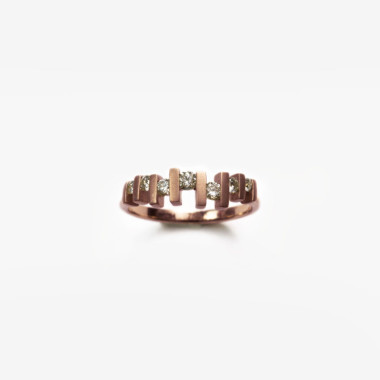 Floating-Diamond-Ring-Rose-Gold-by-Paola-van-der-Hulst