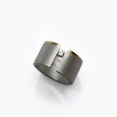 Sterling-Silver-Vacuum-Ring-by-Paola-van-der-Hulst